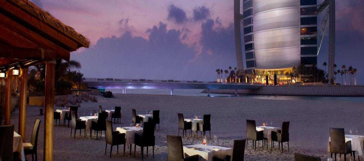 Villa beach the most romantic restaurant in dubai live for Best romantic hotels in dubai