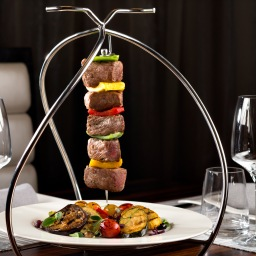 dusit-thani-abu-dhabi_dining_the-capital-grill_pinchos