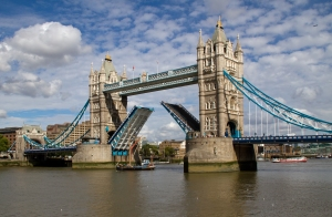 Tower_Bridge_Open_(6086268699)