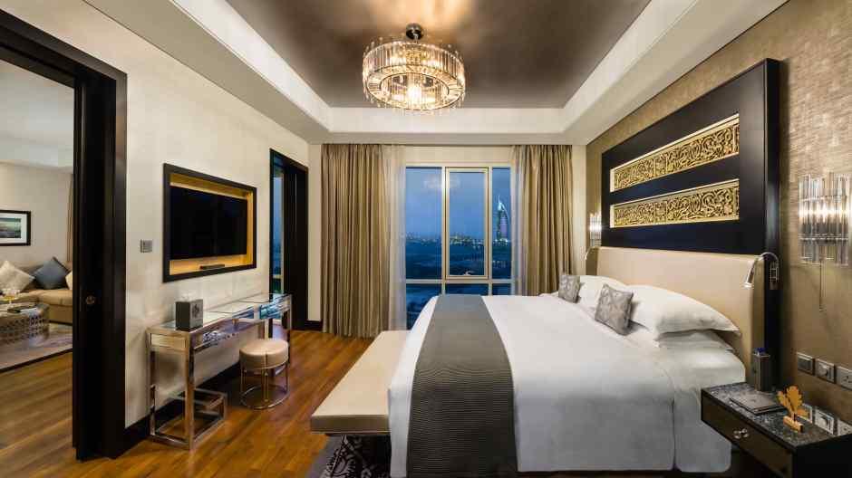 Corner Suite Bedroom