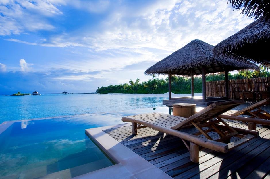 53433018-H1-Water_Villa_Pool_5