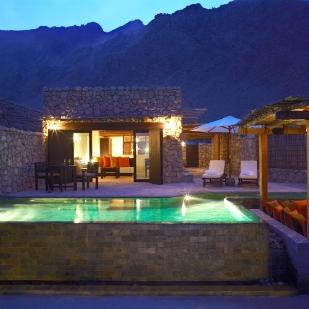 SSZB Pool Villa Night