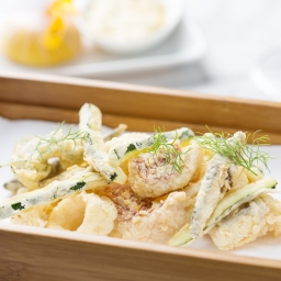 Fritto Misto di Pesce (Deep fried red mullet, squid, prawns, cod, whitebait, zucchini)
