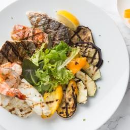 Grigliata Mista di Pesce (Grilled Seafood Platter, red mullet, sea bass, sea bream, calamari, prawns, grilled vegetable)