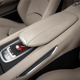 Ferrari_GTC4Lusso_central_console_300dpi