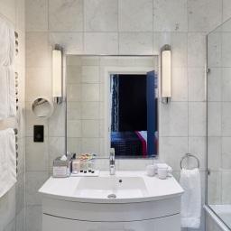 Midnight Blue bathroom