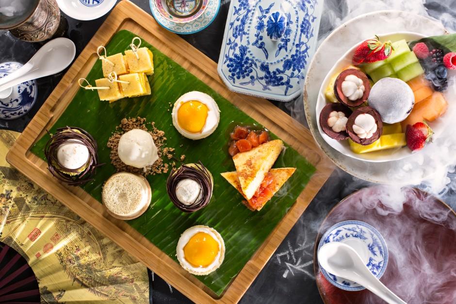 madinat_jumeirah_-_mina_a_salam_-_zheng_he_s_-_duck_brunch_-_lazy_susan_desserts_platter