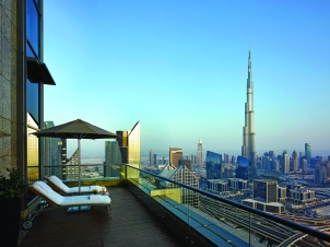 view-from-the-42nd-shangri-la-hotel-dubai-day