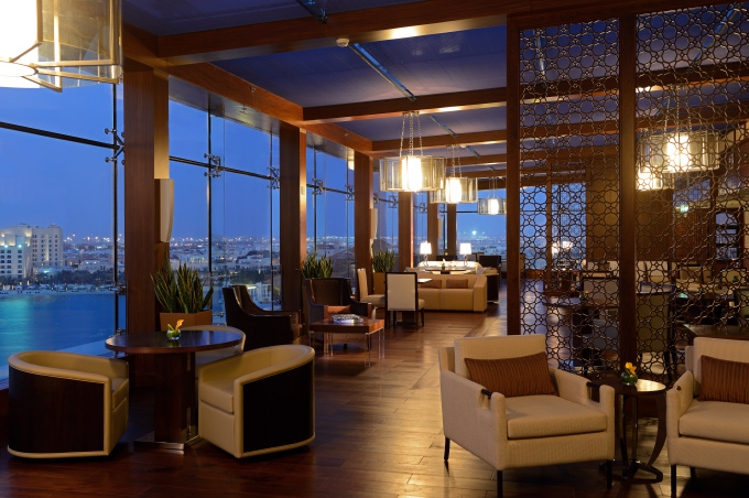 the-ritz-carlton-abu-dhabi-grand-canal-club-lounge