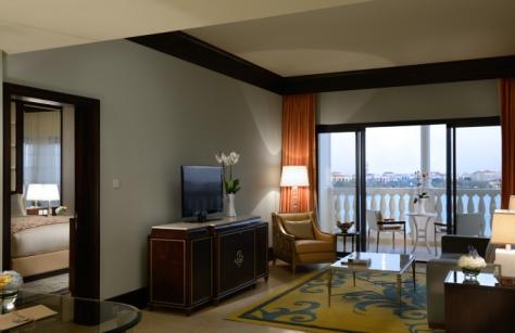 the-ritz-carlton-abu-dhabi-grand-canal-executive-suite