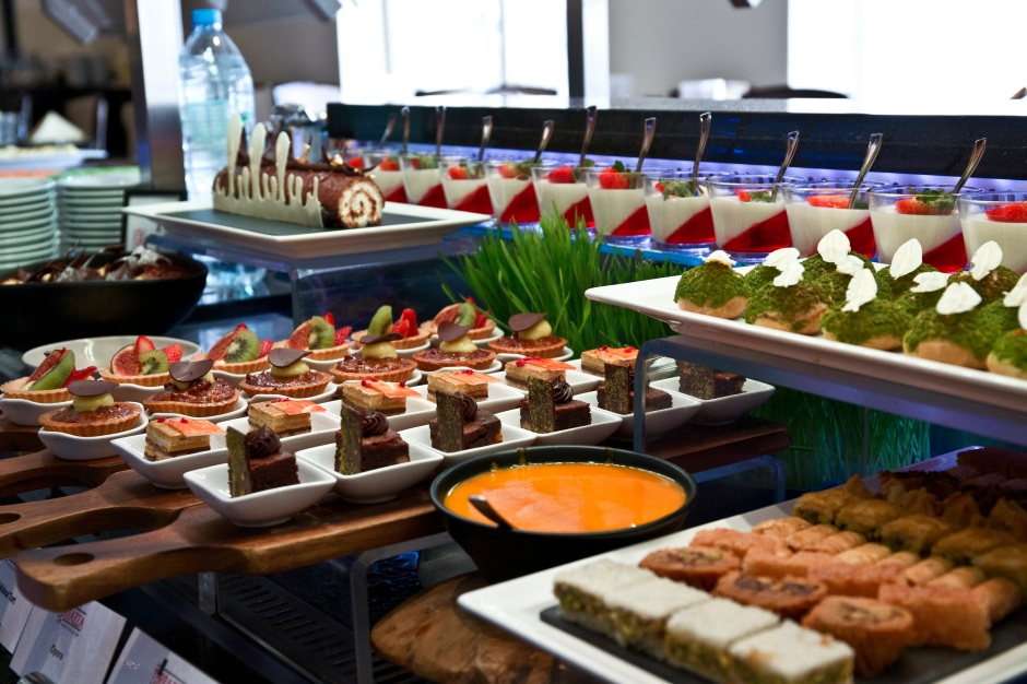 Buffet at Hilton Abu Dhabi (4)