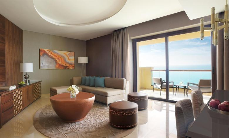 One Bedroom Suite Lounge_489961_med