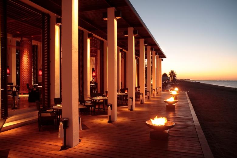 CMU-Dining-The Beach Restaurant-Beachfront01