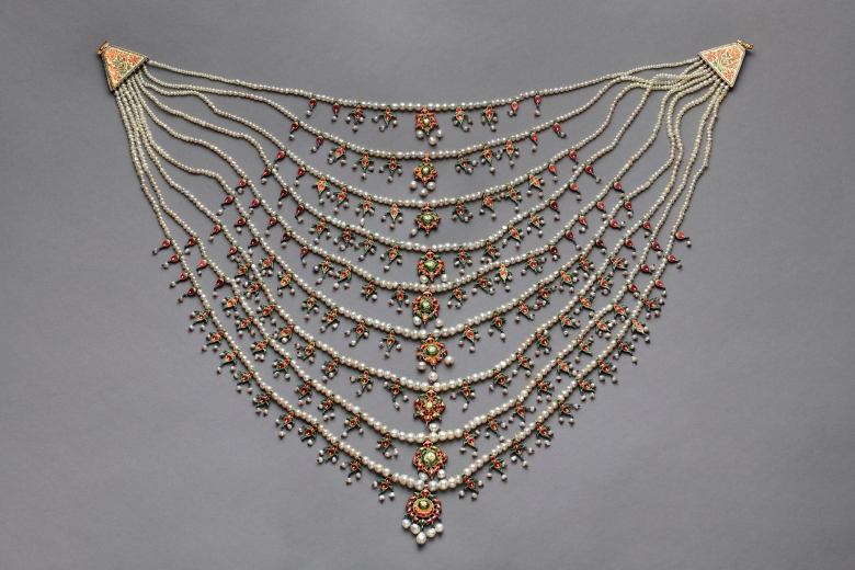 Umm Kulthum's pearl necklace